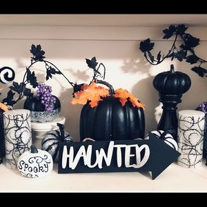 Halloween Haunted Sign
